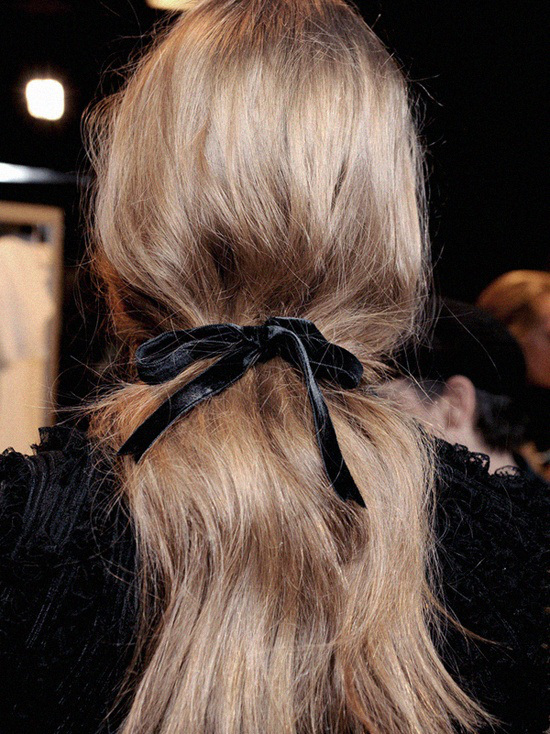 black-ribbon-hair-m-dot-on-style.jpg